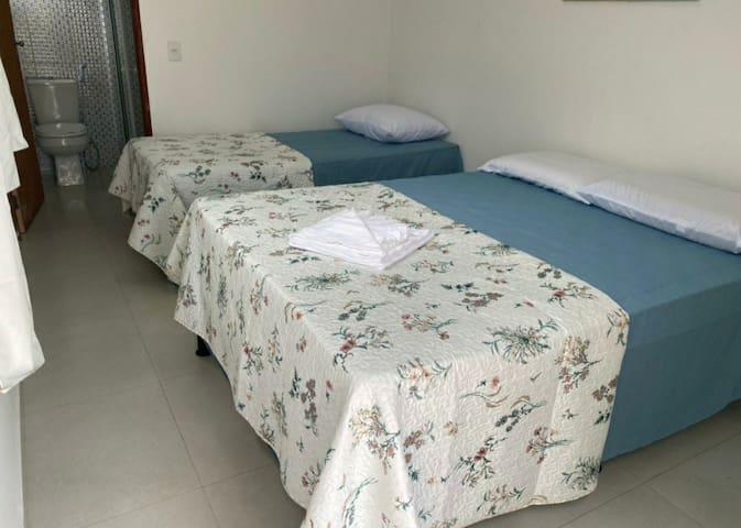 Suite 2 - Cama de Casal + bicama  - Ar-condicionado