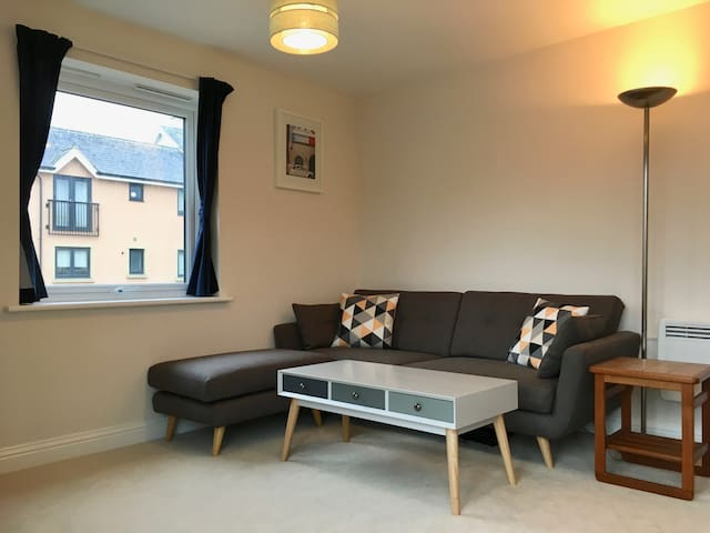 Spacious double room with private bathroom - Cambridge - Apartment