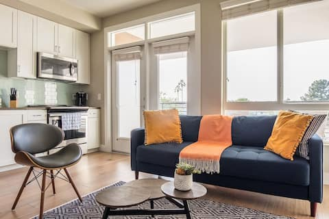 Magnificent + Vivid 1BR Apt in Old Town Scottsdale