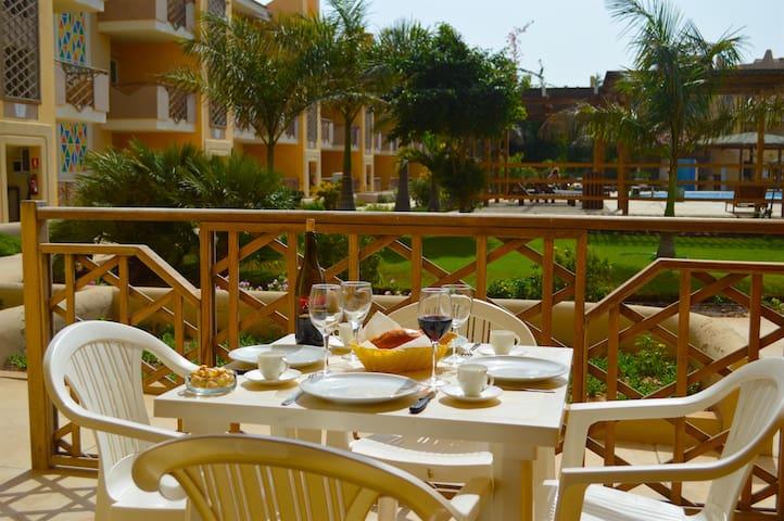 Tropical Resort - Apartment Terrace