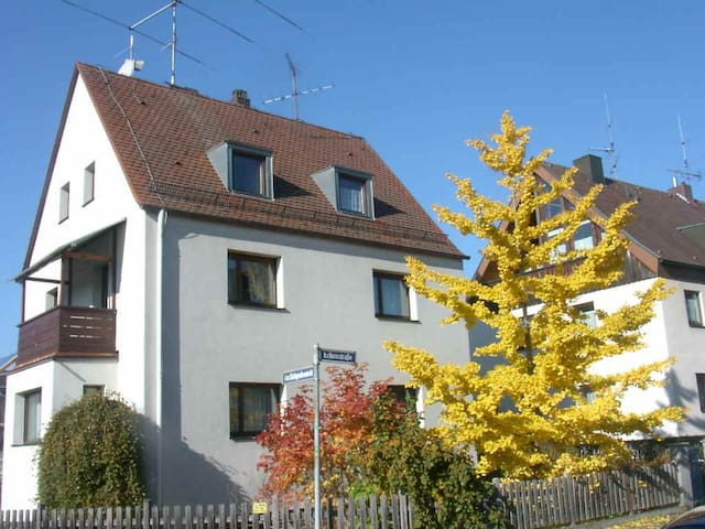 Jugendzimmer - Nürnberg - Bed & Breakfast
