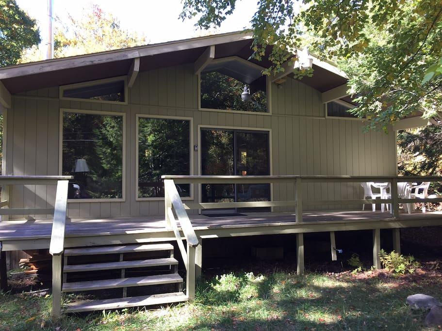 peaceful pocono cabin near the historic jimthorpe cabins