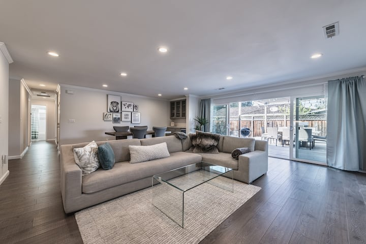 Airy Open Concept Modern Home: 3br/2bath + Office