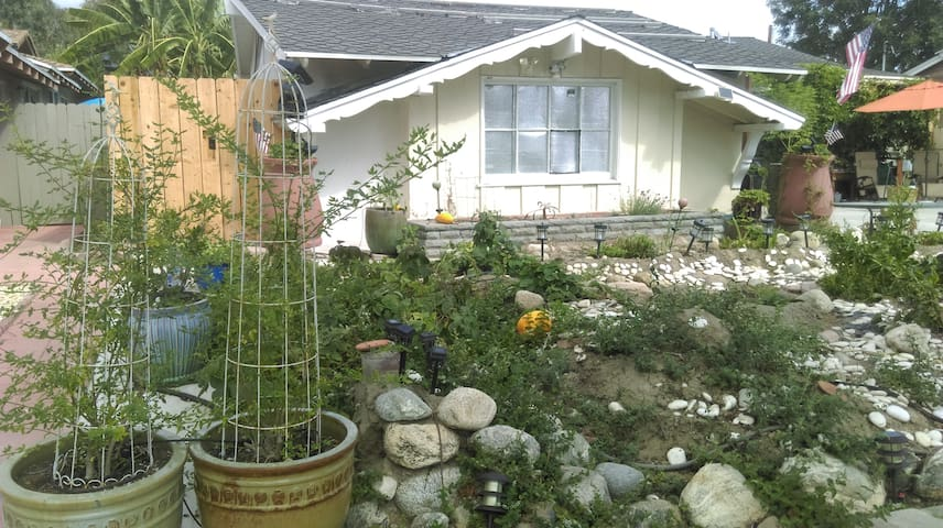 Orange mango garden brw maisons louer santa ana - Maison d architecte orange county californie ...