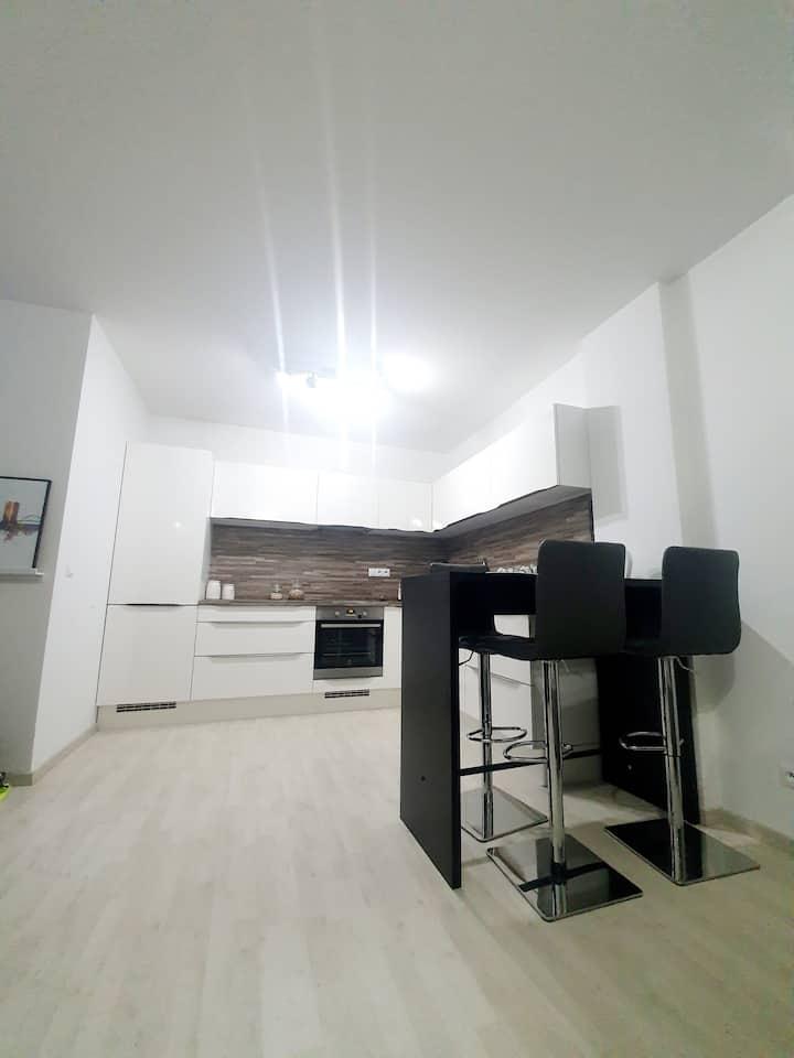 Apartment with parking/Celý byt, podzemná garáž
