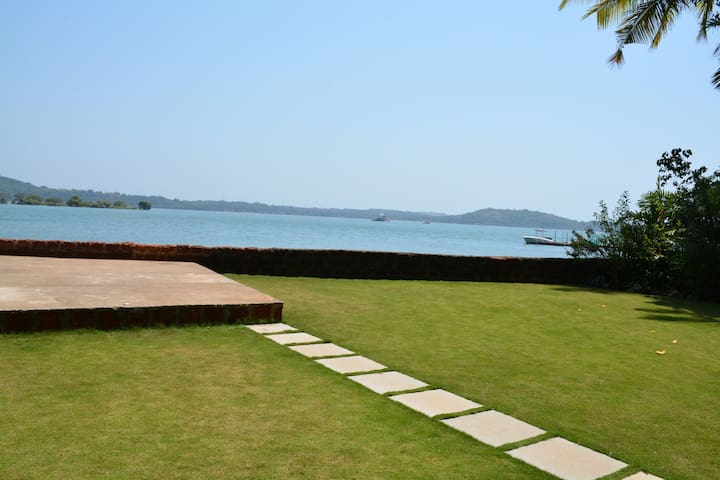 Morjim River Villa