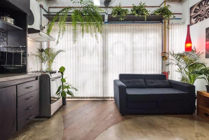 VILA MADALENA: Amazing Artistic Apartment