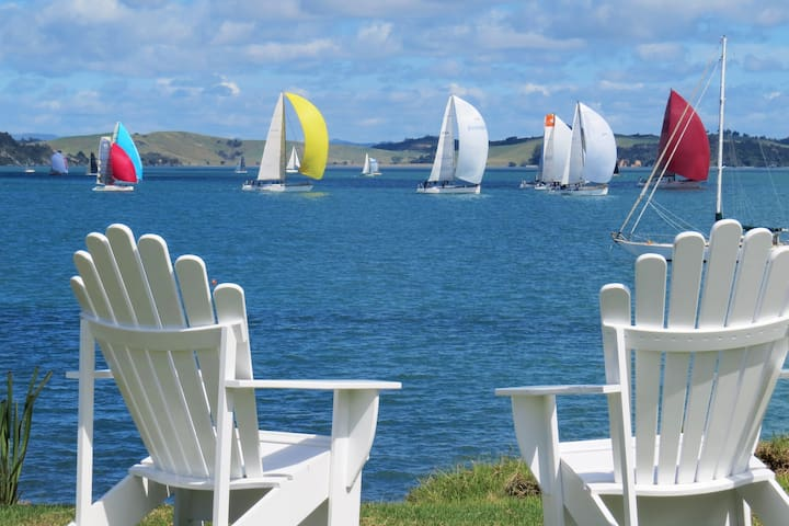 Beachfront Getaway - Bay of Islands