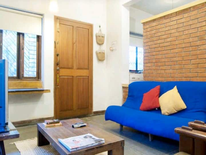 No-Frill, Calm & Charming 1-BHK Apt near Airport