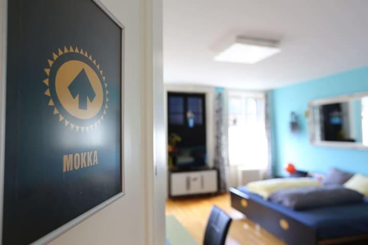 legendäres Café-Mokka-Zimmer im B'n'B Thunerstern