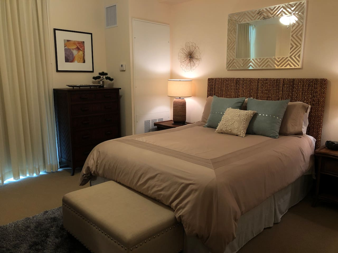 A wonderfully homey space with a comfy bed and separately controlled thermostat for total comfort.