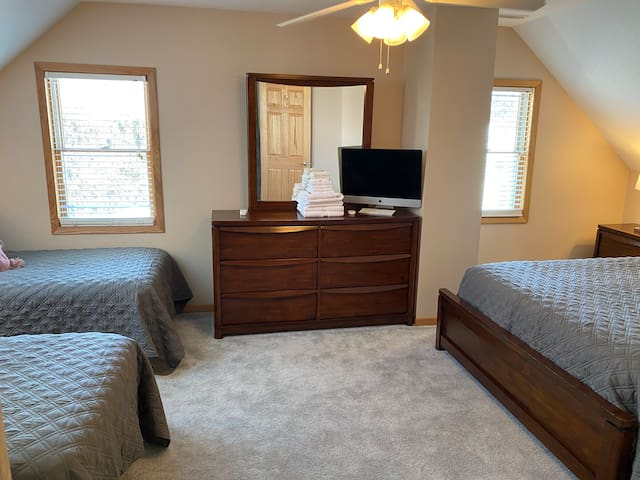 Second bedroom has 2 twin beds that can be converted to one king size bed. Just request a king size bed conversion