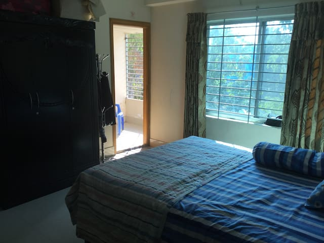 Spacious apartment at Foys lake - Chittagong - Service appartement