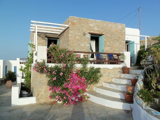 """The big house with panorama seaview over Hora"" - Folegandros - Casa"