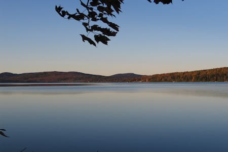 Double cabin on crystal clear lake - Embden - Chatka