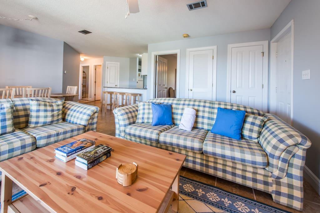 Living Area with Queen Sleeper