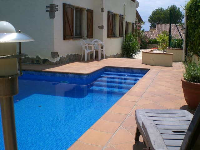 Torre Gran, 4 bedroom villa with privat pool! - Torroella de Montgrí - Hus
