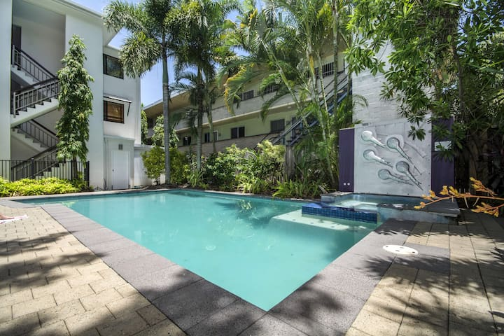 3 Brm Apartment close to esplanade - Cairns North - Apartamento