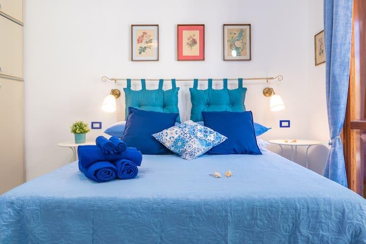 Modern apt in Sorrento: location, comfort & view