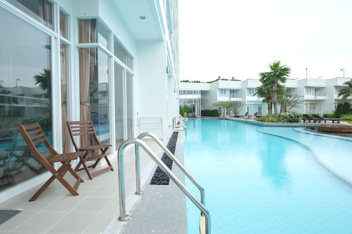 POOL ACCESS beachfront project CHIZ furnished unit