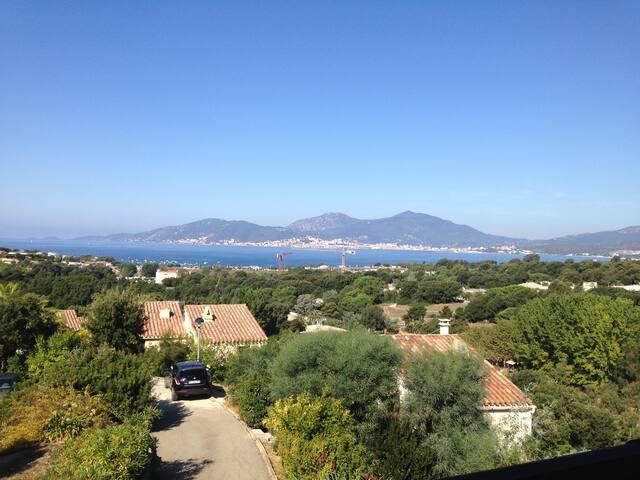 magnifique vue sur le golf d'Ajaccio