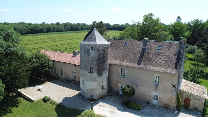 Suite familiale Château de Pernan à Avy (Pons)