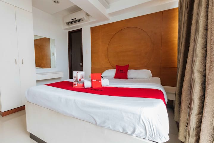 Room in Hotel near Metropolitan Medical Center