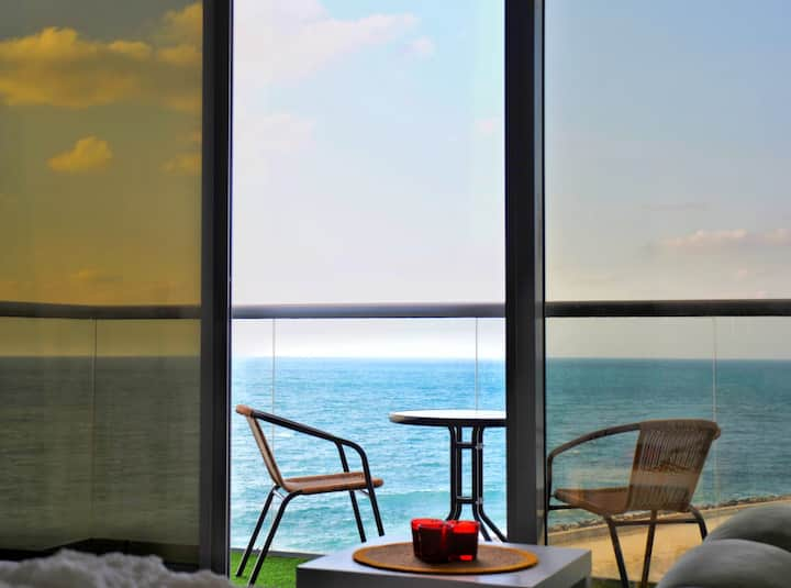A Perfect Escape With A Stunning Sea View