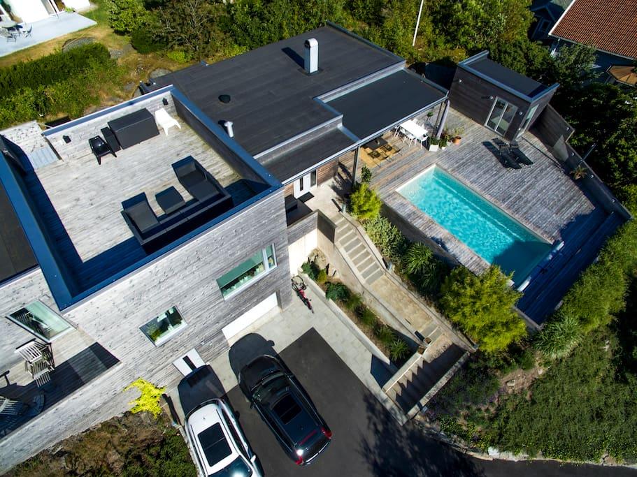 Roof terrace and poolarea