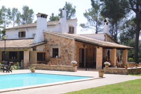 Casa de Piedra Mallorquina/piscina - House