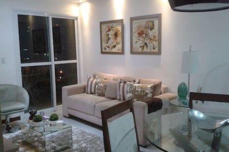 Apartamento confortável e com ótima localização - Campos