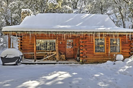 2BR Pine Mountain Club 'Cabin in the Woods'! - Pine Mountain Club - Cabin
