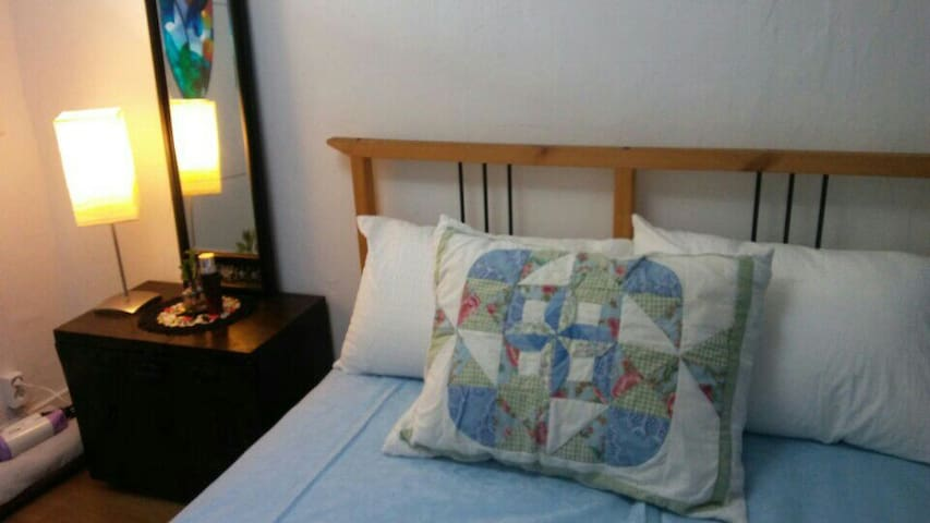 open! Cozy and Glamorous 2 room guest house!