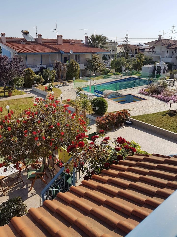 Elina's cozy house with swimmingpool in Pefkohori