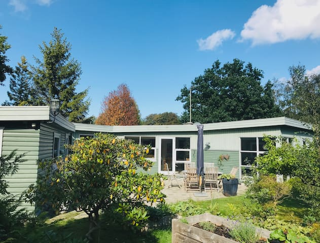 Large and bright house with 5 minutes to the beach