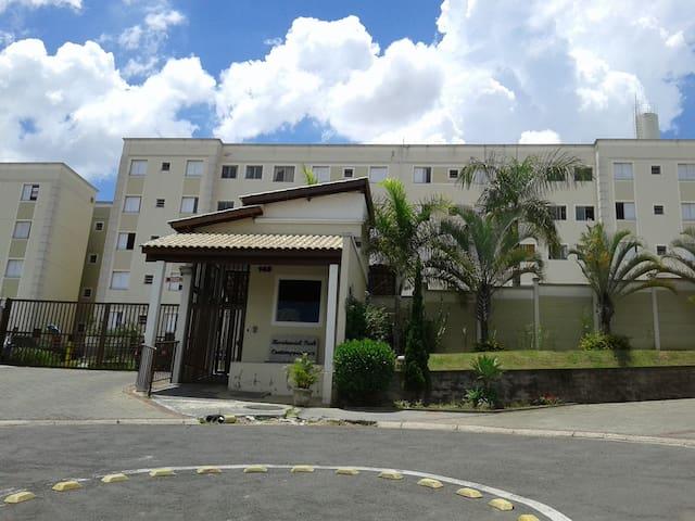 Lindo AP com vaga  à 15´ do Aeroporto de Viracopos - Campinas - Apartment