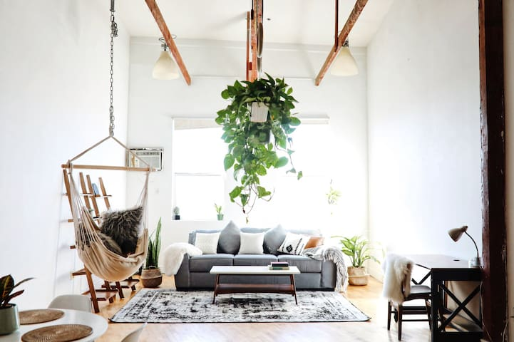 Bright Eclectic Loft in Arts District, Downtown LA