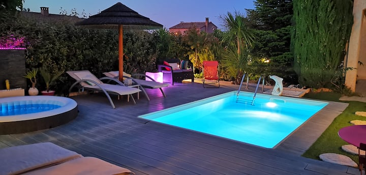 A nice villa with pool and spa, cool garden!