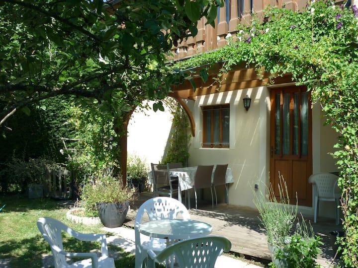 Gîte des Cèdres - Ameugny Taizé (Ferienwohnung)