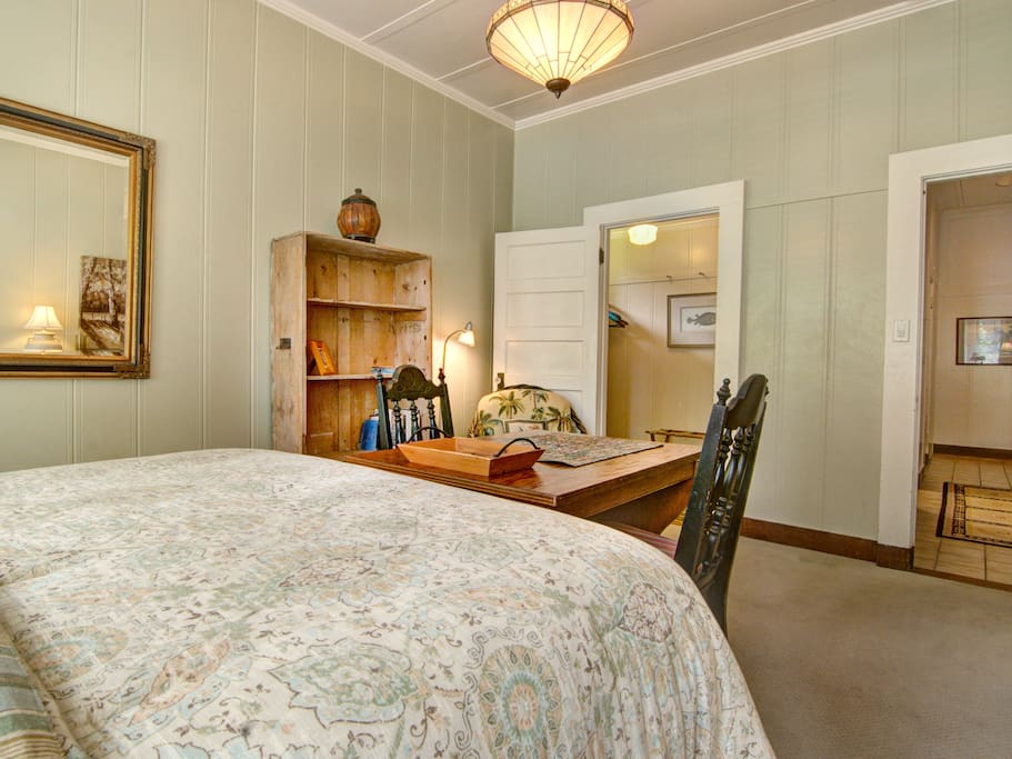 Hale Ohia Cottages Master Bedroom Holiday Homes For Rent In Volcano Hawaii United States