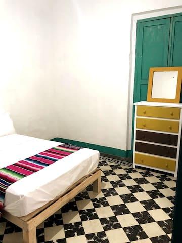 Guadalajara Centro historico. Habitación 4