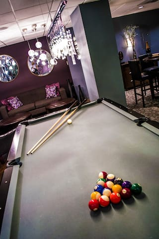 Billiards and gaming room
