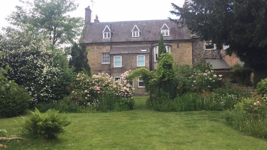Oak house flat