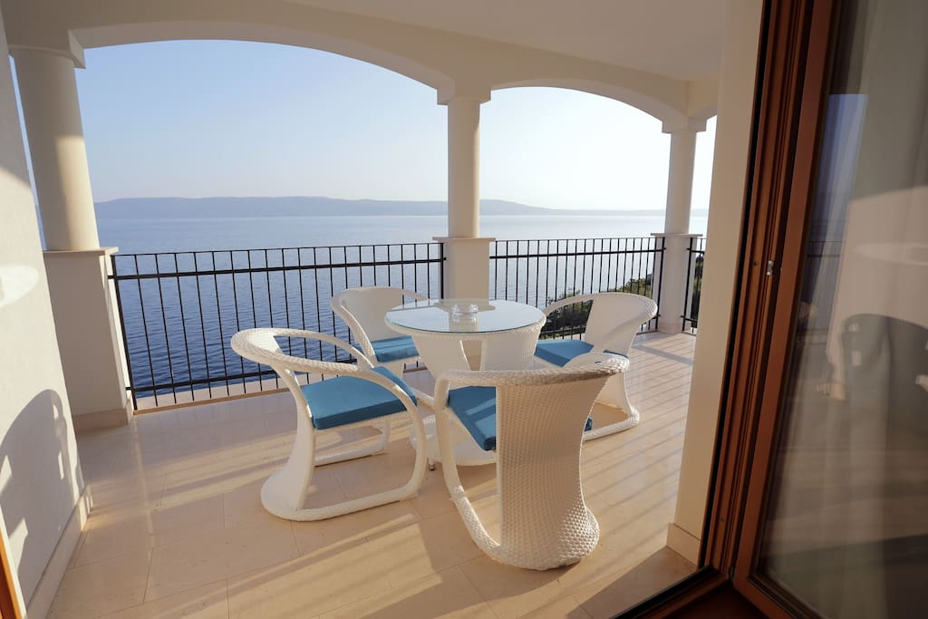 Balcony with view to the sea