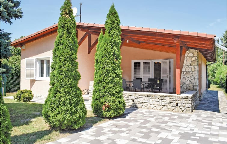 Holiday cottage with 3 bedrooms on 86m² in Zamárdi
