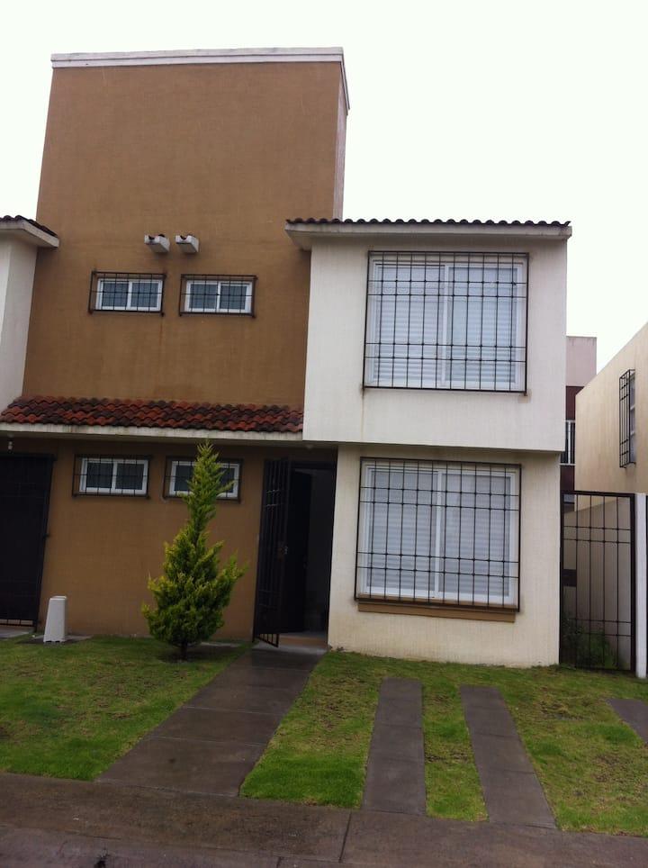Casa cerca Toluca 2000, C Pegaso, FMF y Aeropuerto