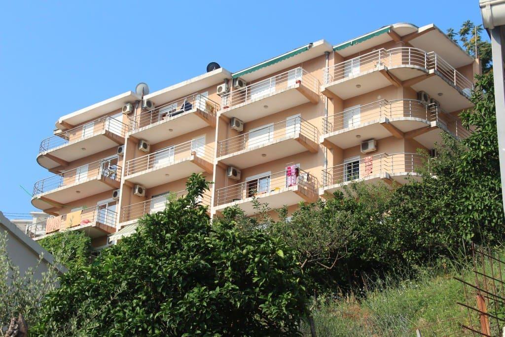 Zgrada ,stan na 2 spratu