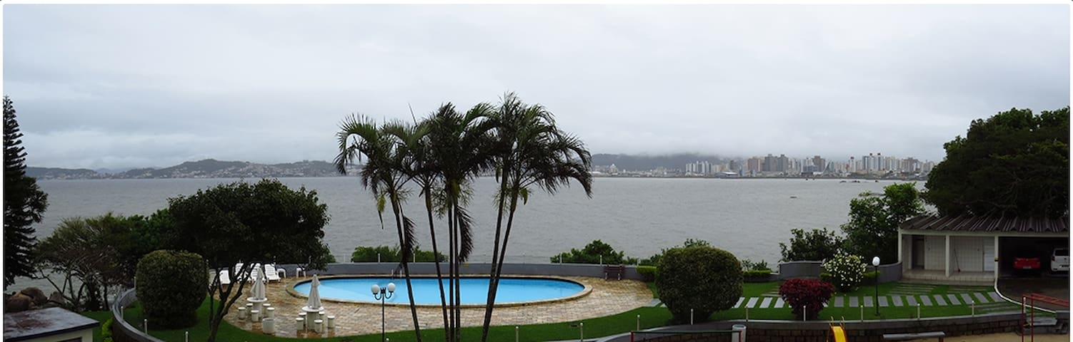 Quarto com linda vista para o mar. - Florianópolis - Apartament