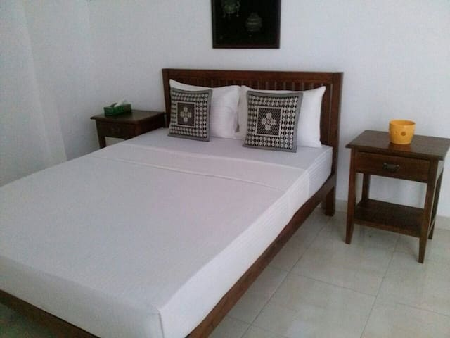Hill Residencies - 2 Bedroom - Dehiwala-Mount Lavinia - Lakás