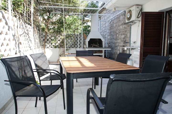 Old town house with big terrace and barbecue grill - Split - Casa